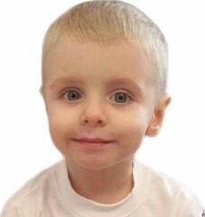 Luca, baietelul care sufera de o tumora maligna si are nevoie urgenta de ajutorul nostru