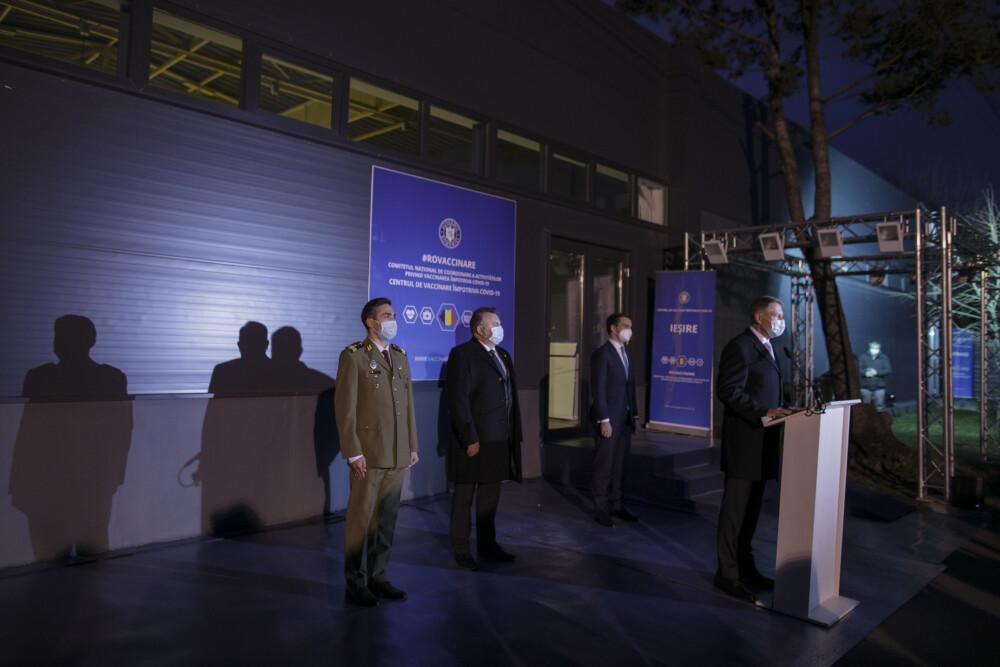 Vizită a președintelui Klaus Iohannis la centrul de vaccinare anti-Covid din România