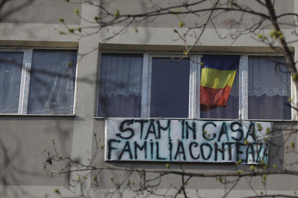 """Mesajul """"Stăm în casă. Familia contează"""