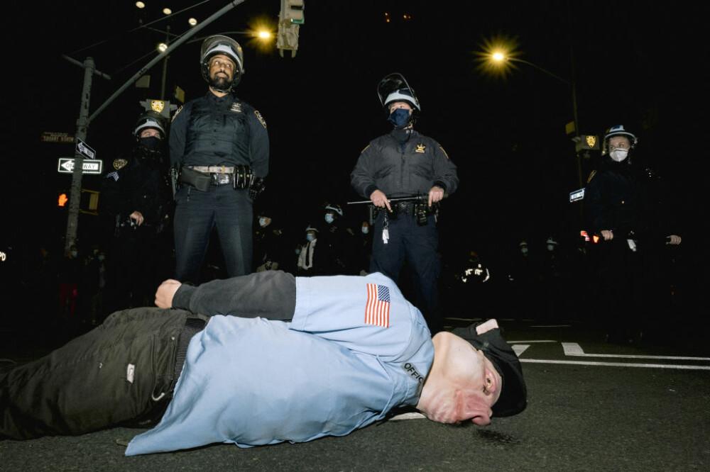 Manifestanții din New York organizează proteste după ziua alegerilor