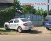 politie la locuinta suspectului din Caracal