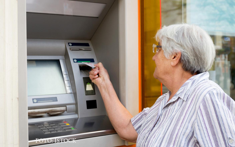 займы пенсионерам без карты