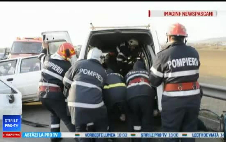 echipaj de poliție implicat într un accident o polițistă și colegul