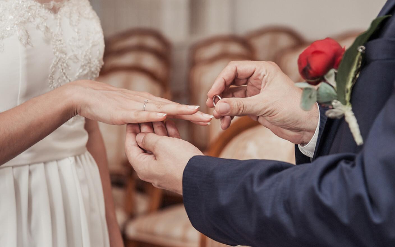 Fetefierbintibacau - Caut pt casatorie vaduva peste 6