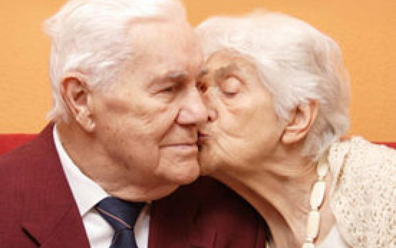 Seniorii se intalnesc maine