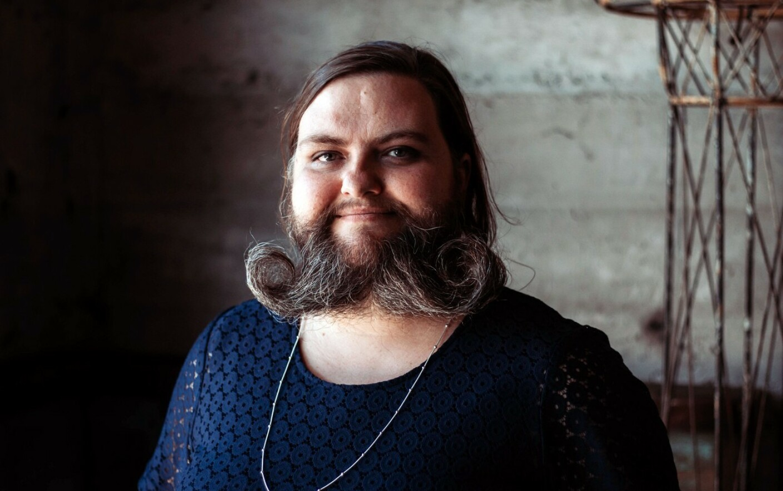 Ce femeie cauta barba i