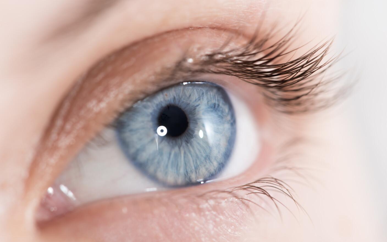 Poze cu ochi albastri