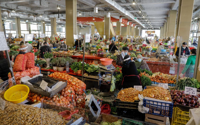 Instituțiile de stat, obligate să cumpere doar alimente produse în România