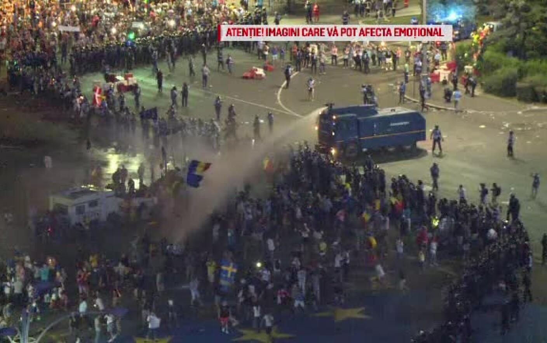 """Proteste în marile orașe. Oamenii au numit """"un masacru"""" violențele ..."""