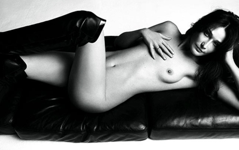 nude-photo-of-carla-bruni