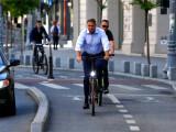 Klaus Iohannis, din nou cu bicicleta în oraș. Președintele s-a dus la Cotroceni pe 2 roți