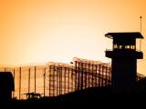Femeie condamnată la închisoare în legătură cu o crimă comisă de fiul ei