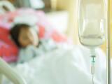 Copil internat în spital