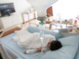 Un copil a murit după ce mama sa a refuzat să îi dea medicamentul prescris de medic