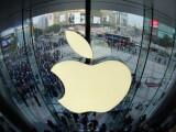 Doi acționari Apple cer acţiuni împotriva dependenţei de telefoane la copii