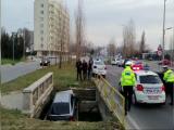 Cum a reuşit un şofer să ajungă cu maşina în canal, în Mamaia
