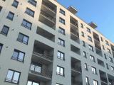 Apartamente noi, condiţii de Ev Mediu. Apa e scoasă de lângă fosa septică