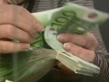 Român care schimbă bancnote false de 1.000 de lei, pe 200 de euro, căutat în Germania