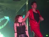 Petreceri de 8 Martie. Reacţia unei tinere pe care stripper-ii au chemat-o pe scenă