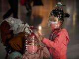 OMS: Închiderea școlilor și a frontierelor nu stopează pandemia de coronavirus