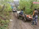 INS: Peste o treime din drumurile României sunt pietruite şi de pământ