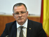 Adrian Oros îşi va depune marţi demisia din funcţia de ministru al Agriculturii
