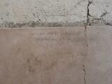 un-mesaj-descoperit-pe-peretele-unei-case-rescrie-istoria