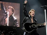 Jon Bon Jovi s-a accidentat grav pe scena, dar a incheiat concertul! Video