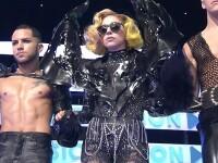Lady GaGa a trecut de la homarul din cap la aripile de liliac