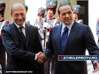 Basescu il ajuta pe Berlusconi. Romania va gazdui 200 tunisieni imigranti