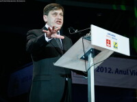 Crin Antonescu: Vrem comisie parlamentara pentru anchetele legate de referendum, scriem liderilor UE