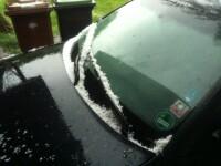 Cum a plouat cu grindina la Ramnicu Valcea. Imagini trimise de pe iPhone. VIDEO