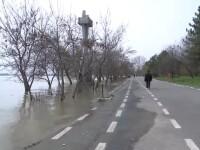 Alerta pe Dunare. Apele au depasit cotele de atentie la Galati si la Braila si vor acoperi falezele