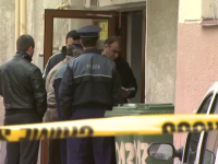 Tanarul descoperit mort intr-o scara de bloc din Capitala avea 16 ani. Politia are trei suspecti
