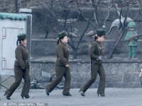 Armata pe tocuri a lui Kim Jong-un: imaginea care face inconjurul presei internationale