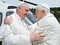 Papa emerit Benedict al XVI-lea afirma ca se simte bine, in primul interviu dupa demisie