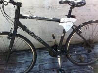 Hoti prinsi imediat dupa ce au furat patru biciclete din scara unui bloc, la Timisoara