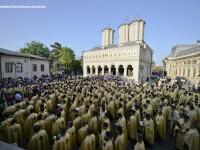 Mii de credinciosi si sute de preoti au participat la pelerinajul de Florii din Bucuresti