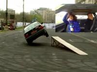 Rafalele de 80km/h s-au intrecut cu pilotii la salonul auto din Bucuresti. Vantul i-a incurcat pana si pe expertii pe 4 roti