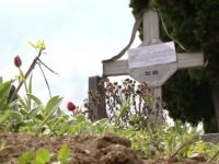 Somatiile pentru plata taxei de concesiune au fost date jos de pe morminte, la dispozitia primarului Nicolae Robu
