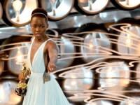 Actrita Lupita Nyong'o a ramas fara rochia de la Oscaruri. Creatia in valoare de 150.000 de dolari i-a fost furata din hotel
