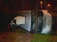 Patru raniti, dupa ce un tanar de 19 ani a intrat intr-o masina de transport valori. Soferul care ar fi vinovat e incepator