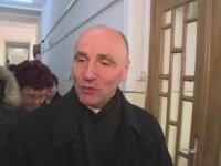 Episcopul greco-catolic de Oradea, cercetat pentru mita si abuz in serviciu. Era apropiat al Papei Ioan Paul al II-lea