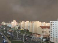 Furtuna care a transformat ziua in noapte. Momentul surprins de un martor, cu telefonul mobil. VIDEO