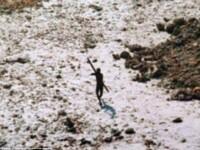 Tribul de 60.000 de ani care refuza orice contact cu lumea moderna. Cine se aventureaza in acest paradis tropical este omorat