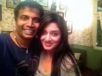 Barbatul din India care si-a propus sa se vada in fiecare zi cu alta femeie, timp de un an. Cate intalniri a avut pana acum