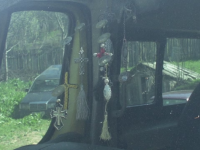 Soferul unui microbuz scolar din Bacau a fost gasit fara suflare. Barbatul s-ar fi sinucis din cauza lipsei banilor
