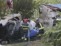 Accident cumplit in Italia: doi romani au ars de vii. Masina a