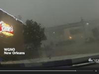 Imagini incredibile in Louisiana. Momentul in care un tren este spulberat de pe un pod de vantul puternic: VIDEO