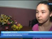 O fetita de 13 ani are nevoie de ajutor pentru a merge ca un copil normal. Si parintii ei au probleme mari cu picioarele